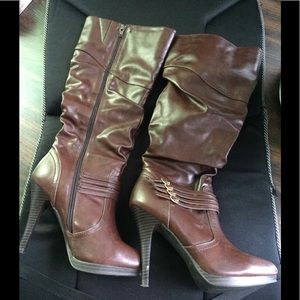 Style and Co. Lindie Boots SIZE 8.5M